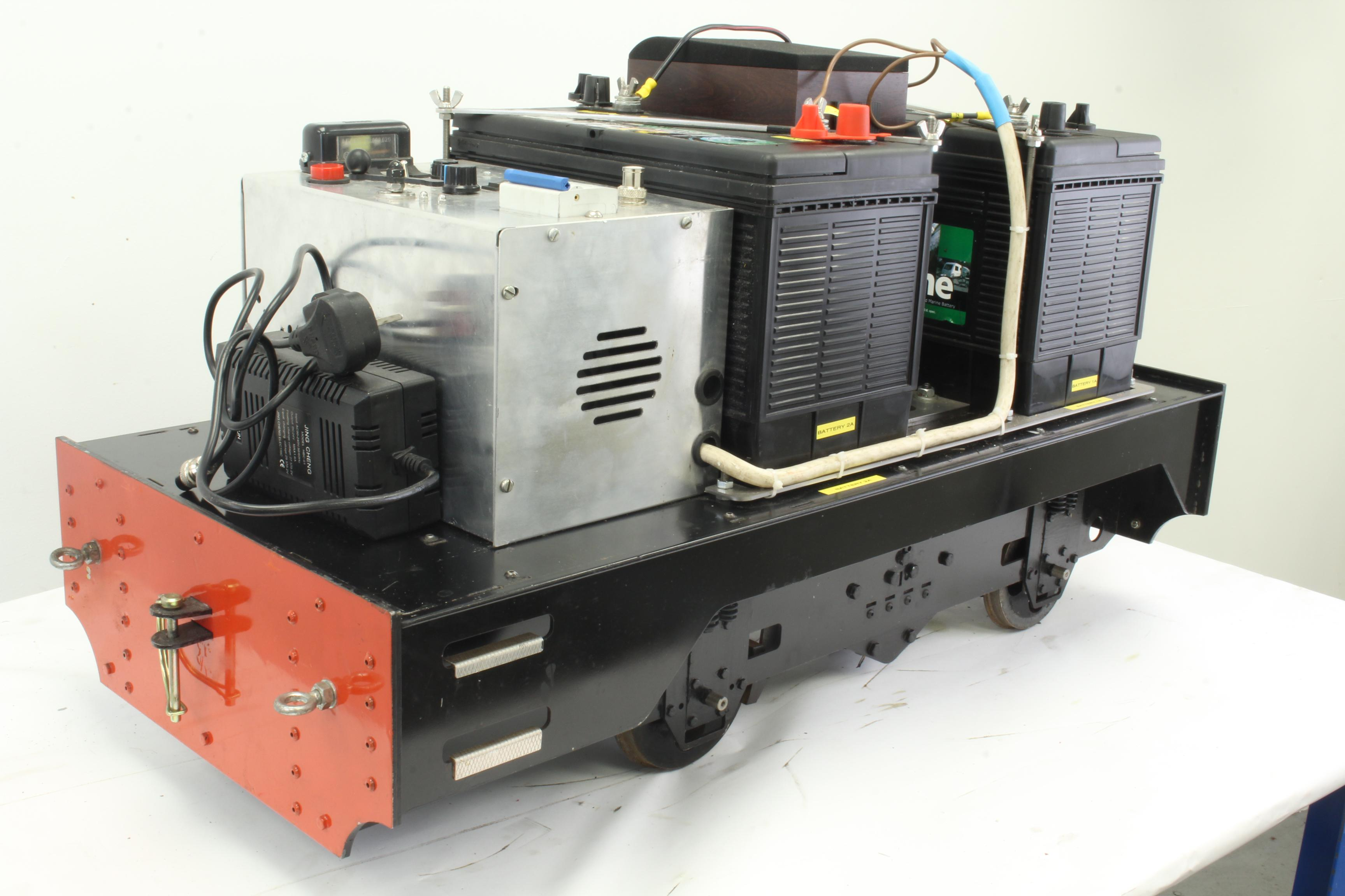 7 1/4 inch gauge 0-4-0 battery electric shunter