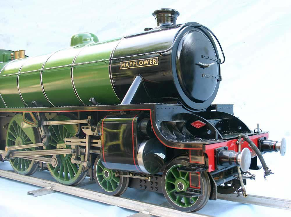 5 inch gauge LNER B1 apple green livery