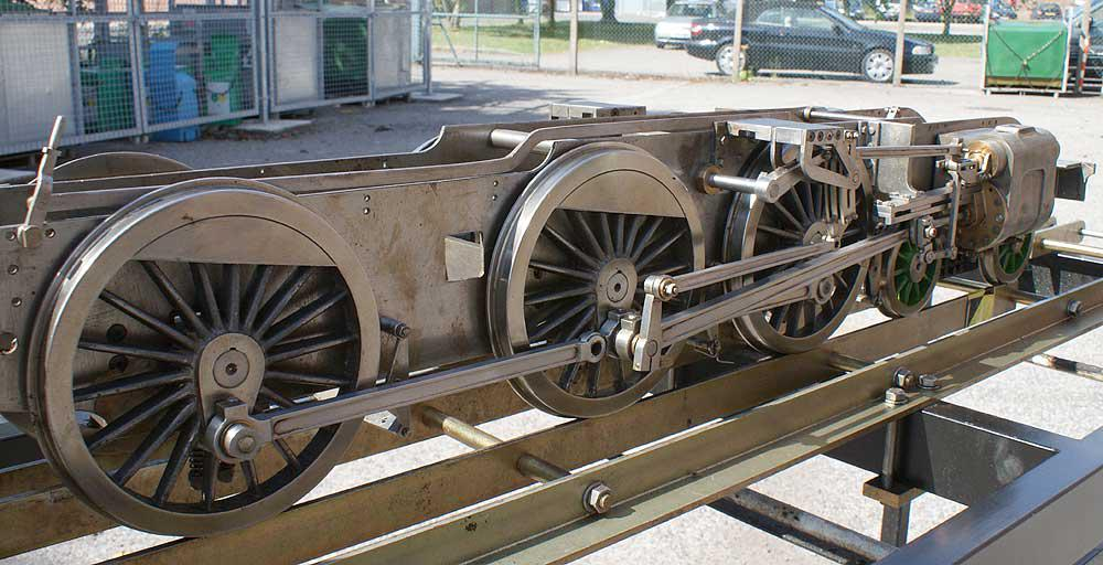 Part-built 5 inch gauge LNER B1