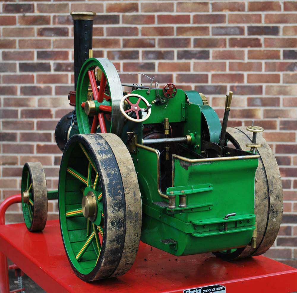 2 inch scale freelance twin cylinder traction engine