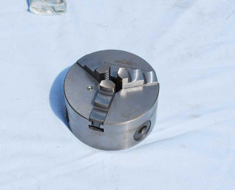 4 inch 3 jaw chuck (new)