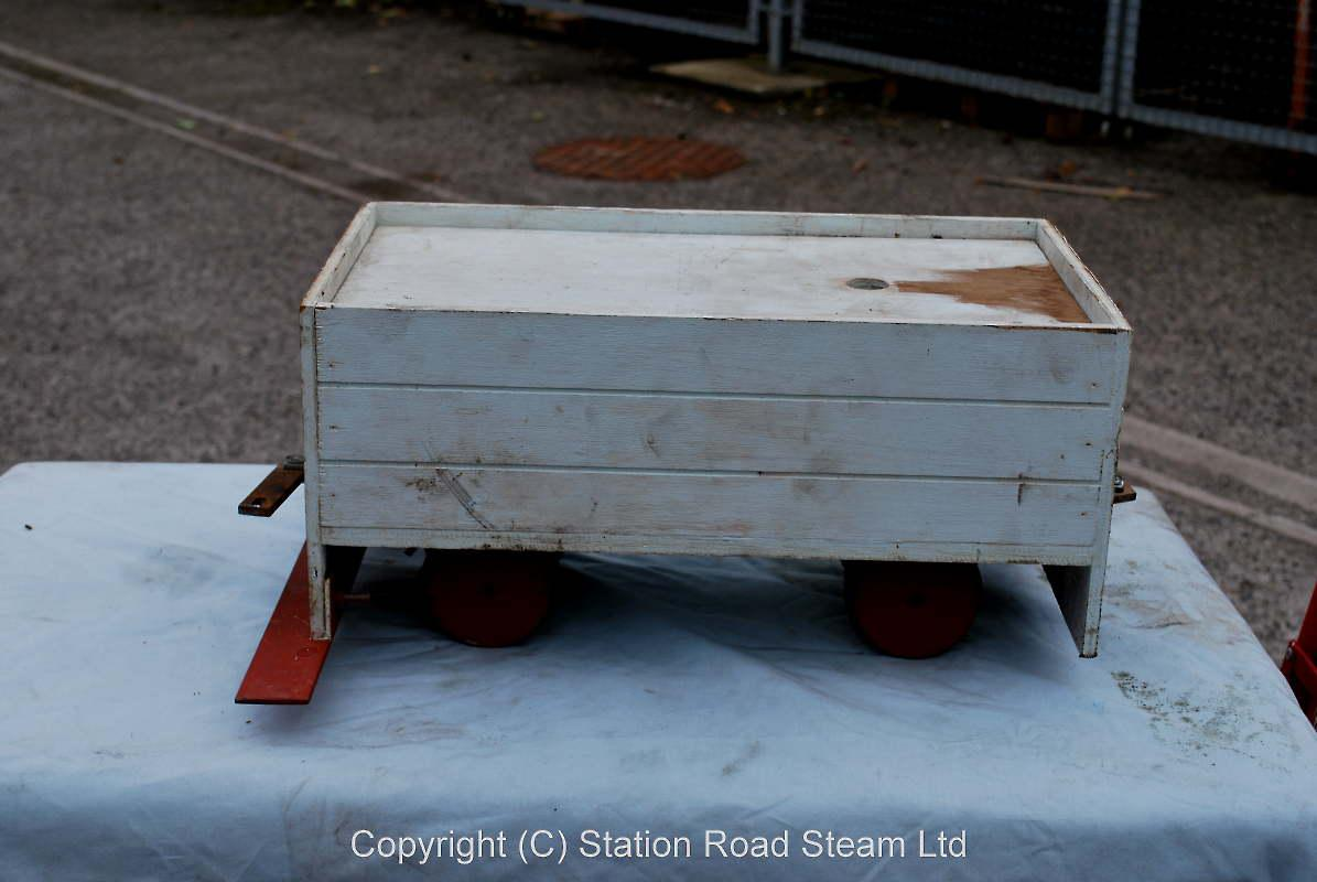 5 inch gauge grey driving truck with foot rest & water tank