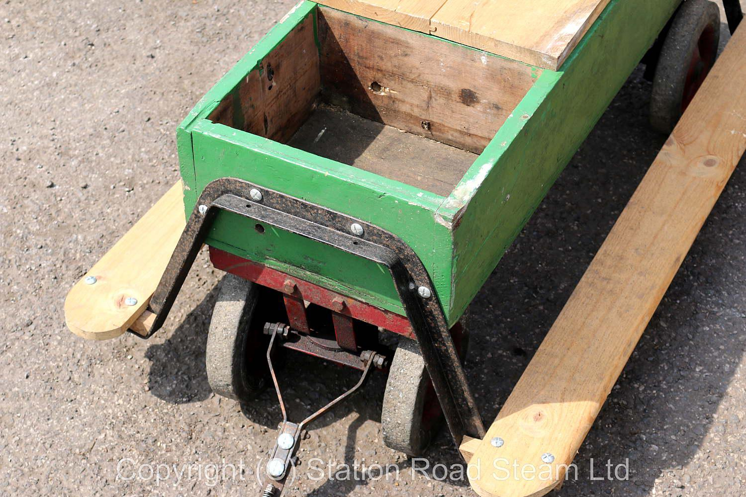 3 inch scale traction engine driving truck
