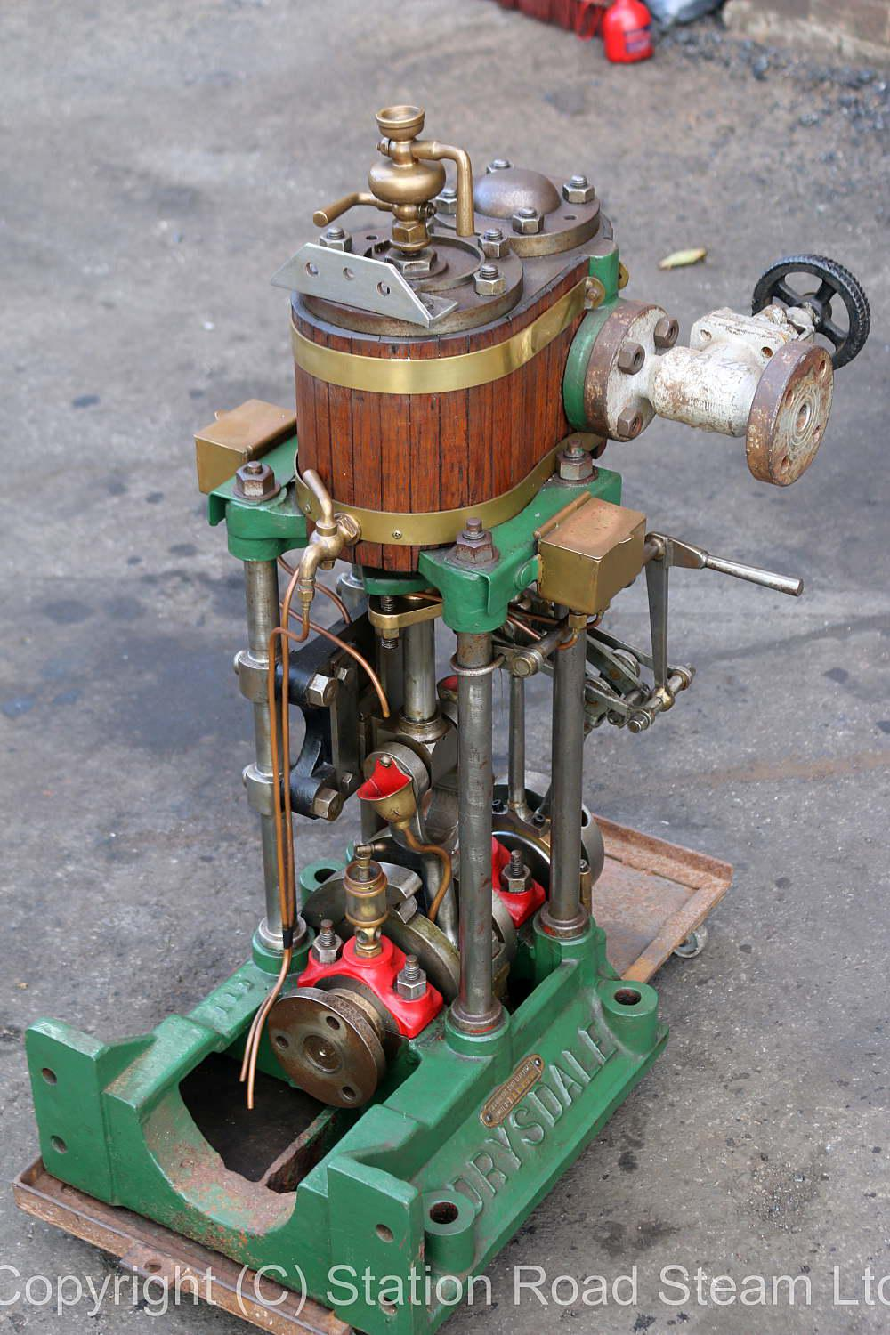 Drysdale vertical engine with reversing gear